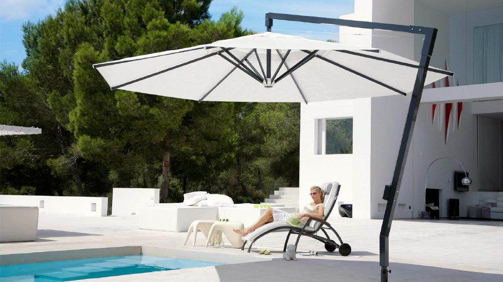 ampel sonnenschirm mit kurbel sonnenschirme sonnenschutz. Black Bedroom Furniture Sets. Home Design Ideas