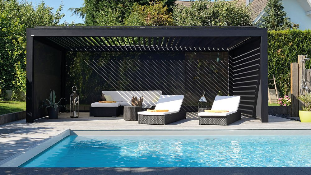pergola oder terrassen berdachung mit einem lamellendach. Black Bedroom Furniture Sets. Home Design Ideas