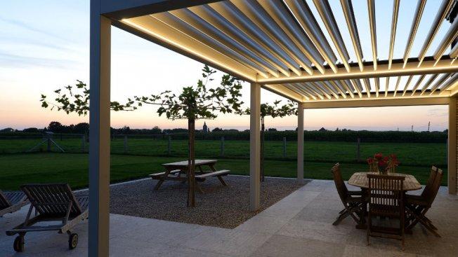 Pergola Oder Terrassenuberdachung Mit Einem Lamellendach